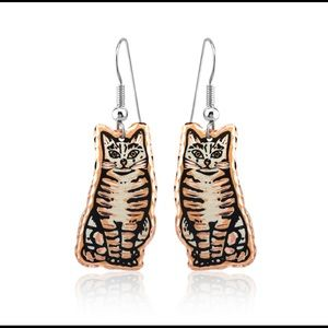 Sitting cat handmade earrings